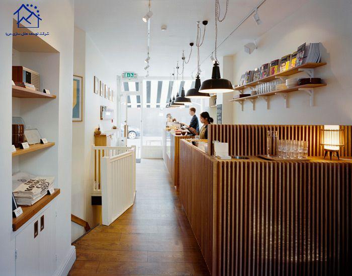 کافه های لندن -مونوکول